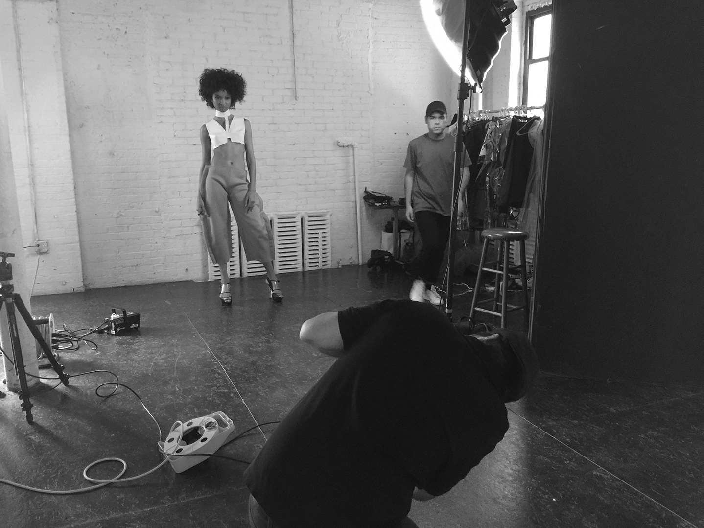 Behind-The-Scenes-Sofia-New-York-Fashion-Photographer-In-Studio-Women-Managment-6