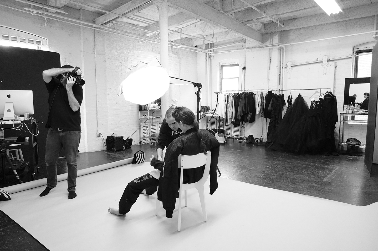 Grayson-Hoffman-Behind-The-Scenes-New-York-Studio-IMG-Women-Models-LIC-Studio-Long-Isalnd-City-Fashion-Images-On-Set-7
