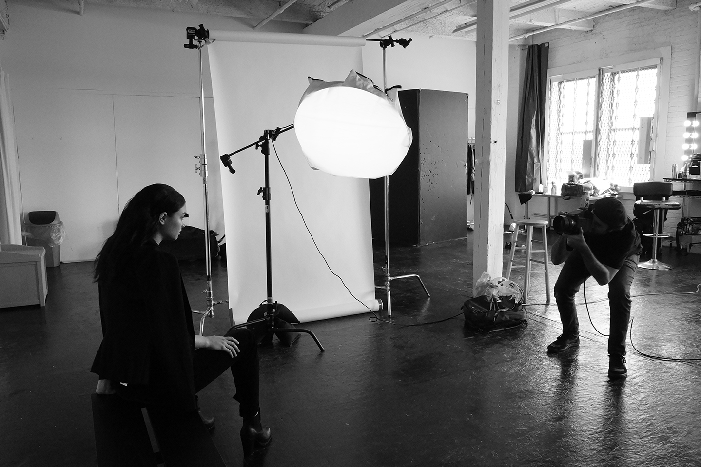 New-York-Fashion-Photographer-Grayson-Hoffman-On-Set-Behind-The-Scenes-Studio-On-Location-Black-And-White-21