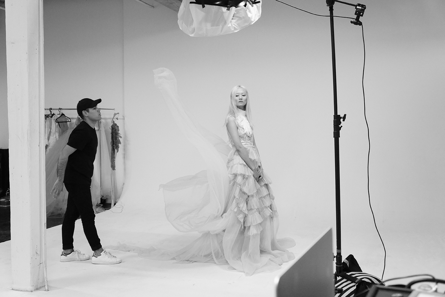 New-York-Fashion-Photographer-Grayson-Hoffman-On-Set-Behind-The-Scenes-Studio-On-Location-Black-And-White-27